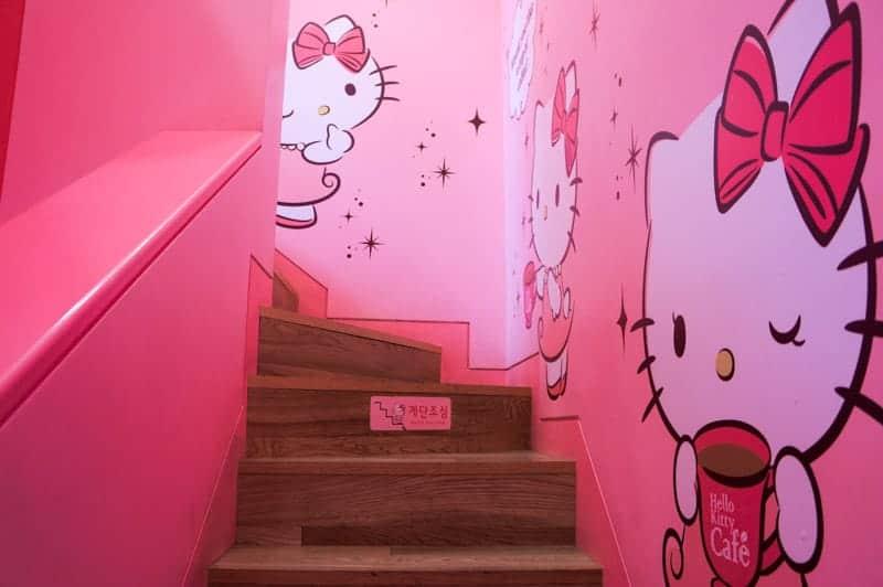 hello-kitty-cafe-seul-14