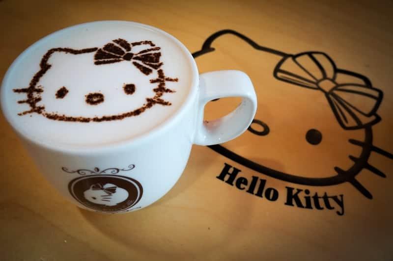 hello-kitty-cafe-seul-6