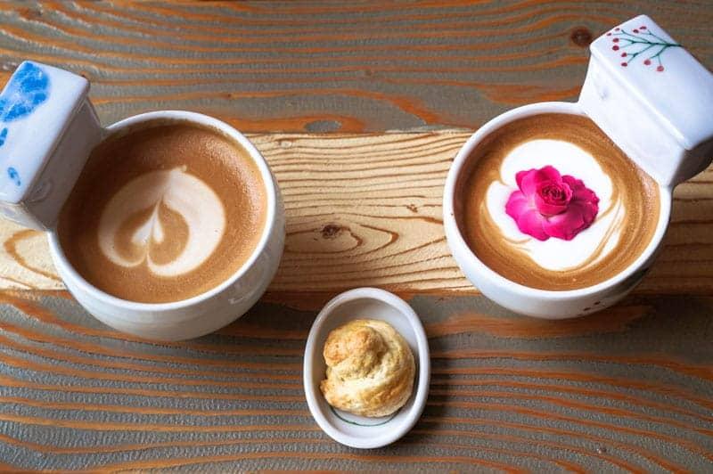 poop-cafe-seoul-2