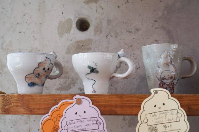 poop-cafe-seoul-9