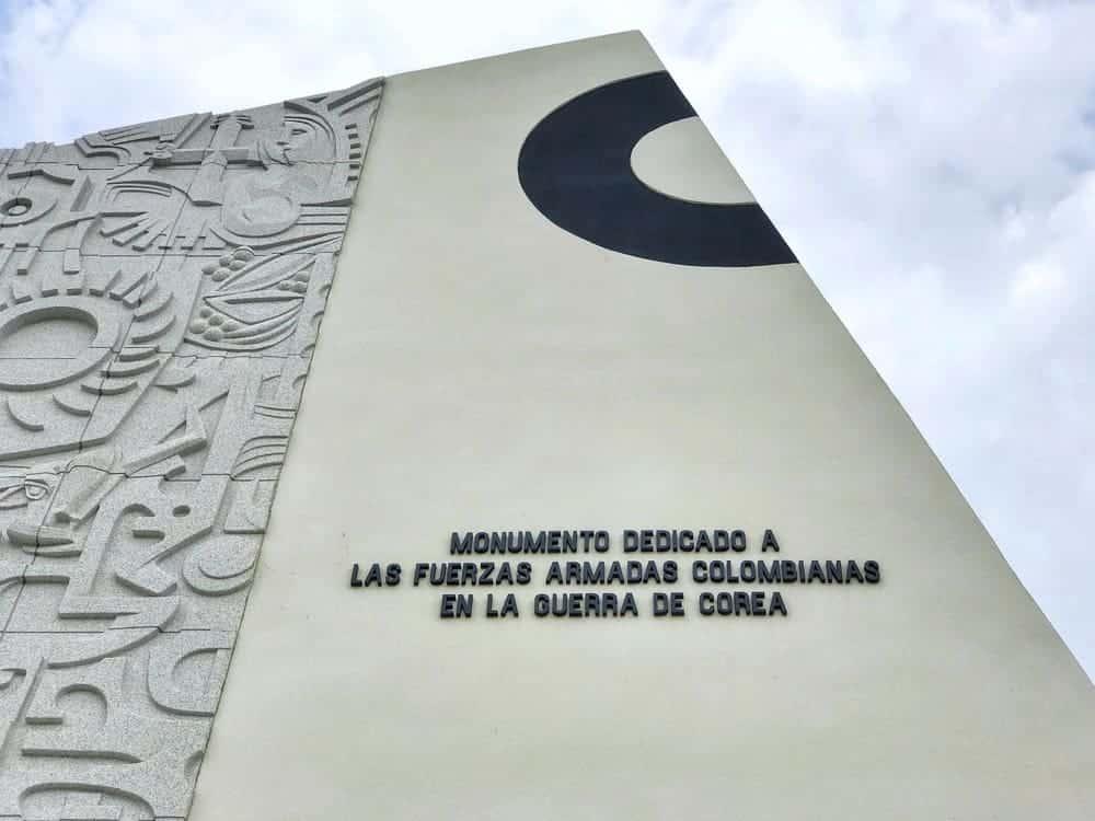 Monumento dedicado a las Fuerzas Armadas Colombianas en la Guerra de Corea